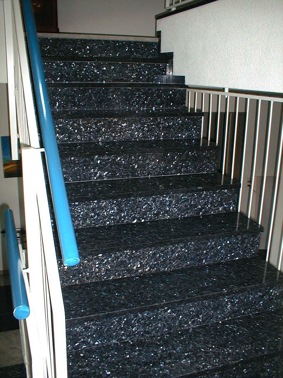 Treppe Labrador Blue Pearl GT, imprägniert mit MN Fleckstop
